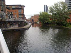 Der Kanal im Bereich des Zentrums.